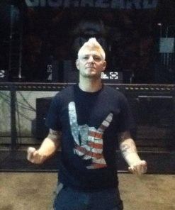 Billy Biohazard in US flag horns