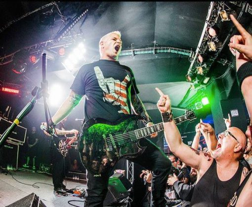 Billy Biohazard on stage in USA horns